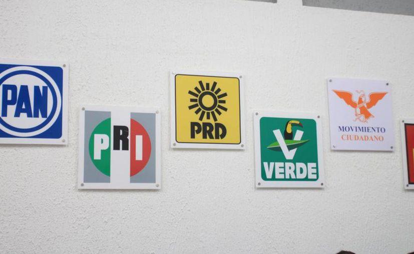Ante la cercanía de las elecciones en el 2018, muchos políticos de diversos partidos comienzan a hacer evidentes sus aspiraciones para ocupar cargos públicos. (Imagen estrictamente ilustrativa/ SIPSE)