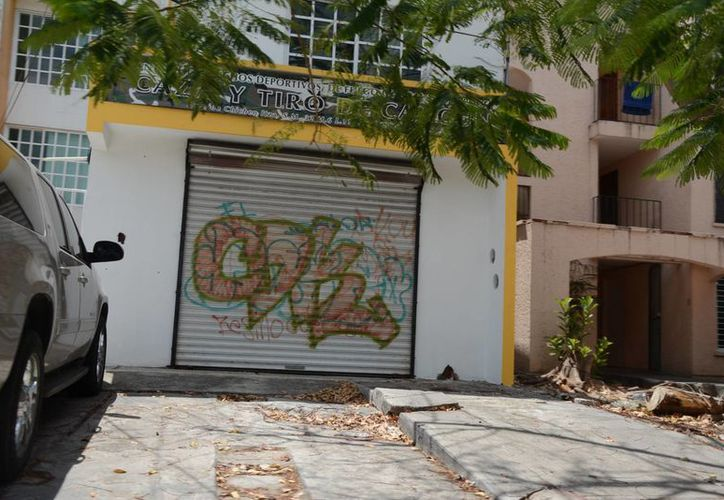 Las papelerías, zapaterías, tiendas de ropa y de abarrotes son los más afectados. (Victoria González/SIPSE)