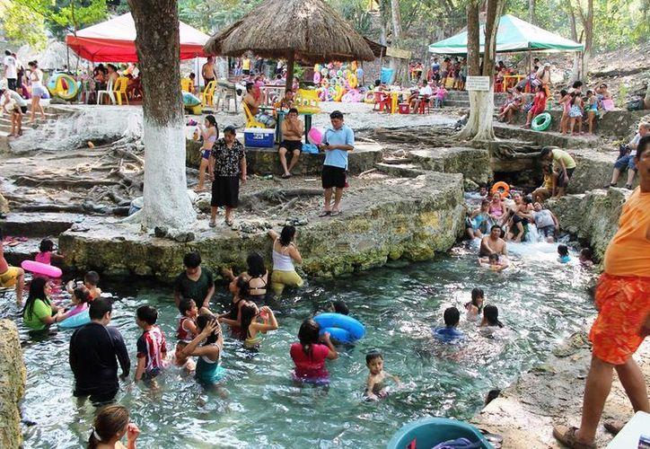 Hay un plan por parte del ayuntamiento capitalino para promover los diferentes balnearios ejidales que existen a lo largo del río Hondo. (Edgardo Rodríguez/SIPSE)