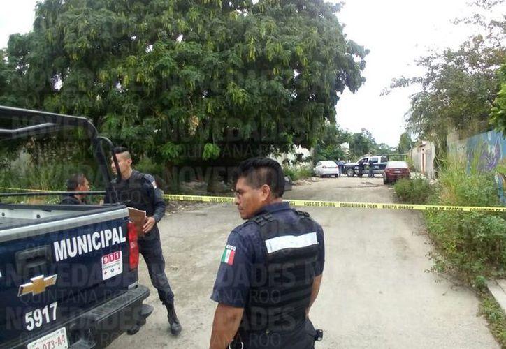 La policía municipal acordono el área para realizar las investigaciones correspondientes. (Eric Galindo/ SIPSE)