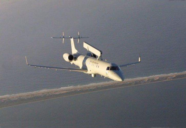 El avión E-99 entró en operación en la Fuerza Aérea en 2002. (blogspot.mx)