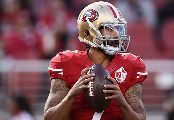 El objetivo del jugador es que la NFL realice las contrataciones por méritos atléticos, no políticos. (Foto: La Provincia)