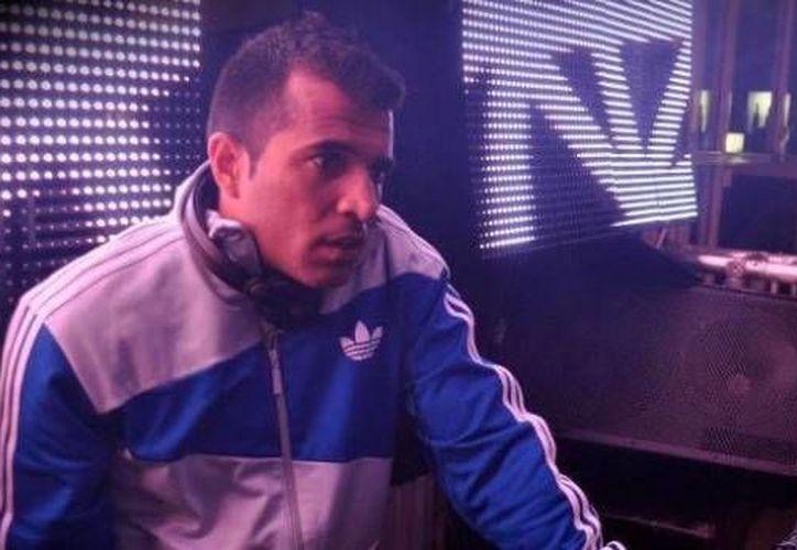 Uno de los disc jockeys más reconocidos de Venezuela, Héctor Gámez, fue asesinado en Acapulco. Y ahora fueron arrestados cuatro sospechosos. (kontrabando.com)