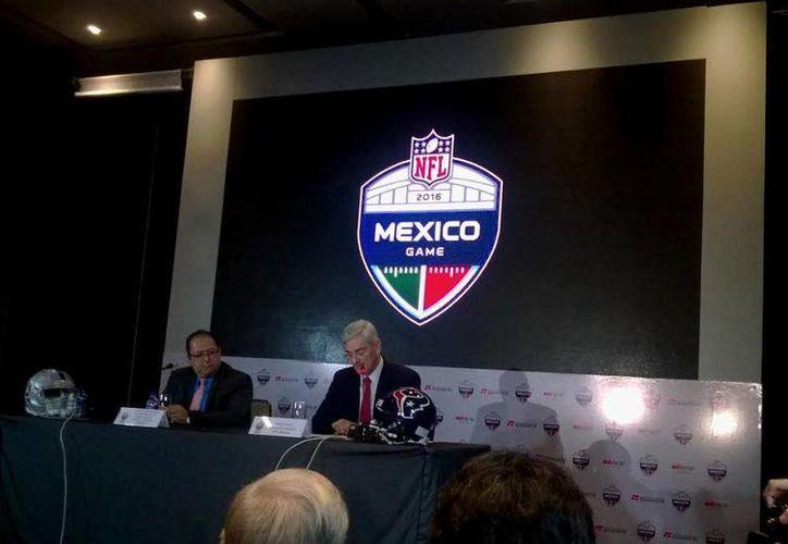 La NFL dio a conocer el logo oficial para el partido entre Raiders de Oakland y Texanos de Houston, que se celebrará en tierras mexicanas. (Foto: Emmanuel Gutiérrez / Mediotiempo)