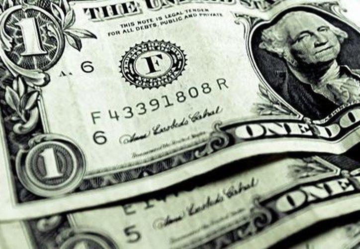Mientras, el precio mínimo de la moneda fue de 16.95 pesos en bancos de la Ciudad de México. (Morelos Habla)