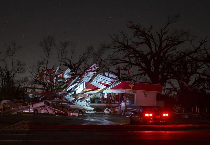 También se reportan daños en Alabama, Louisiana y Texas, por el clima adverso en la región. (AP/Branden Camp)
