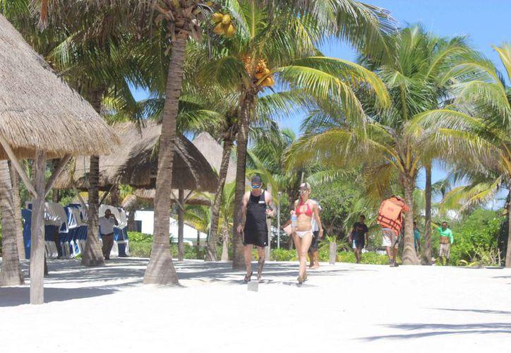 Actualmente se registran pocos visitantes en la bahía del destino. (Sara Cauich/SIPSE)