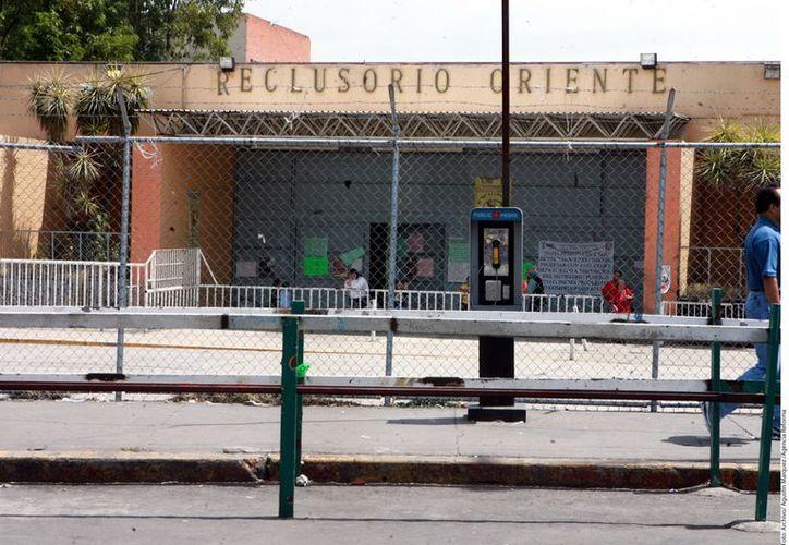 Cinco internos grabaron un video evidenciando los cobros ilegales de los custodios en el Reclusorio Oriente. (Archivo/Agencia Reforma)