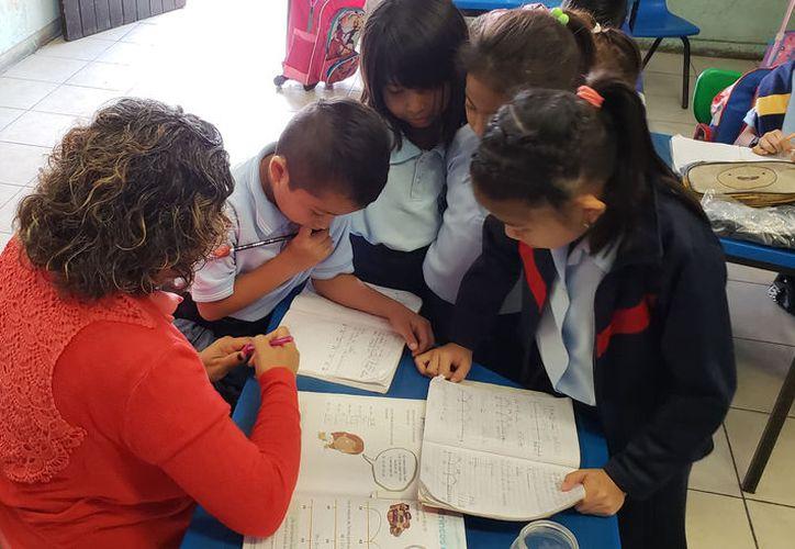 Existe confianza en que la nueva reforma permita a los docentes mejorar sus condiciones de trabajo. (Novedades Yucatán)