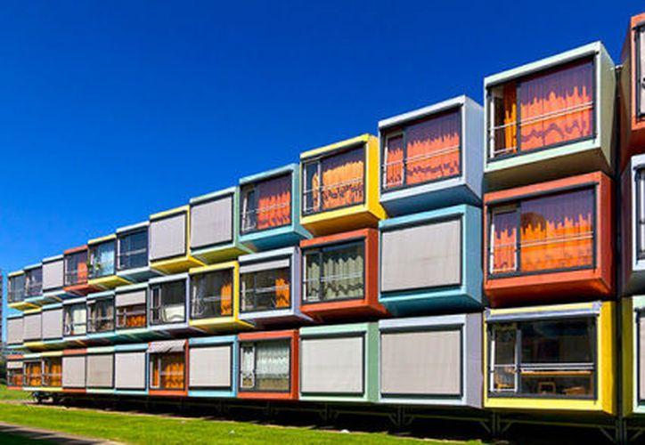 Un hotel hecho con contenedores fue autorizado por la Semarnat, en Bacalar. (Artesan.nato - WordPress.com)