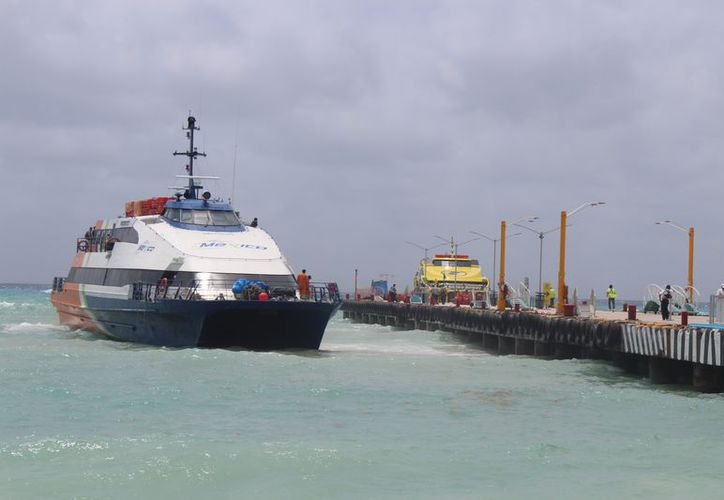 Naviera le colocó un anuncio a Barcos Caribe para que pague su adeudo por el derecho de Uso de Puerto. (Adrián Barreto/SIPSE)
