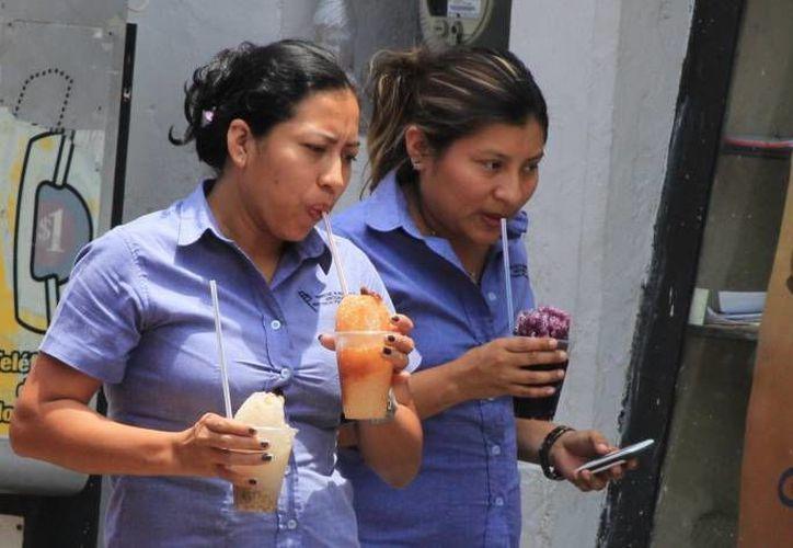 El calor en Mérida estuvo este lunes a tres décimas de empatar el registro del domingo, como el día más caluroso en la historia de Mérida, con 43.6 grados. (SIPSE)