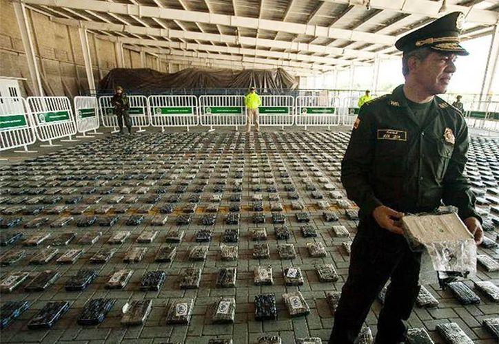 La droga estaba oculta en abono orgánico mineral en un cargamento rumbo a México. (Excelsior)