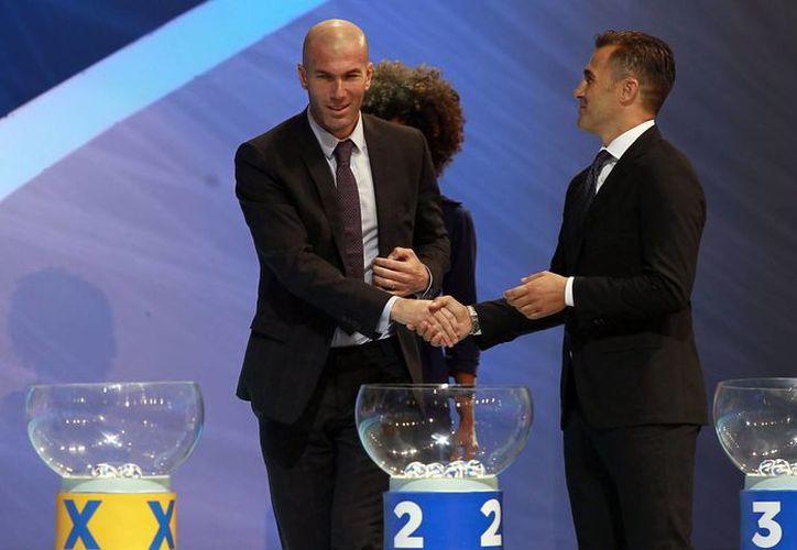 Zidane durante el sorteo de la Copa del Mundo de Brasil. El castigo de tres meses que pesaba sobre él ya fue resuelto y volverá como entrenador del Real Madrid Castilla. (Foto de archivo de Notimex)