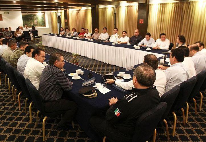 Consejo de Colaboración Municipal de Mercados se instaló hoy; busca eliminar el ambulantaje en Centro de Mérida. (Cortesía)