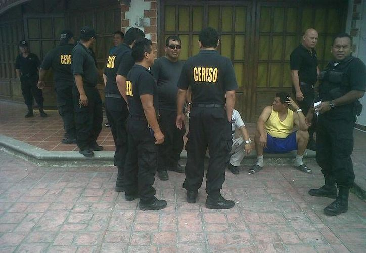 Los custodios revelaron que se les adeuda hasta tres mil pesos por concepto viáticos. (Redacción/SIPSE)