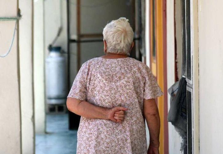 El Alzheimer es una enfermedad que cada vez se presenta con mayor frecuencia, pero de la que poco se sabe. (Archivo)