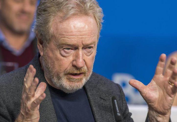 El director británico de cine, Ridley Scott, habla durante una rueda de prensa sobre su último largometraje 'The Martian' en el Festival Internacional de Cine de Toronto (TIFF) en Toronto. (EFE)