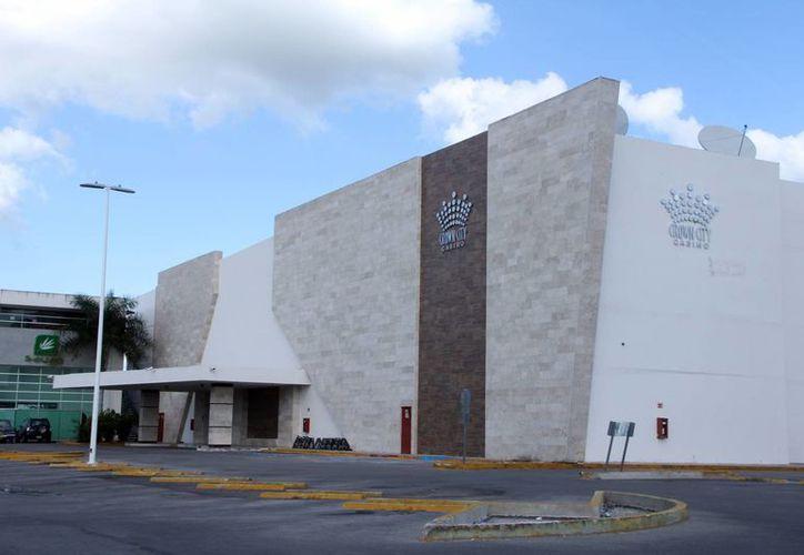 El casino Crown City fue uno de los casinos que cerró desde temprana hora. (Milenio Novedades)
