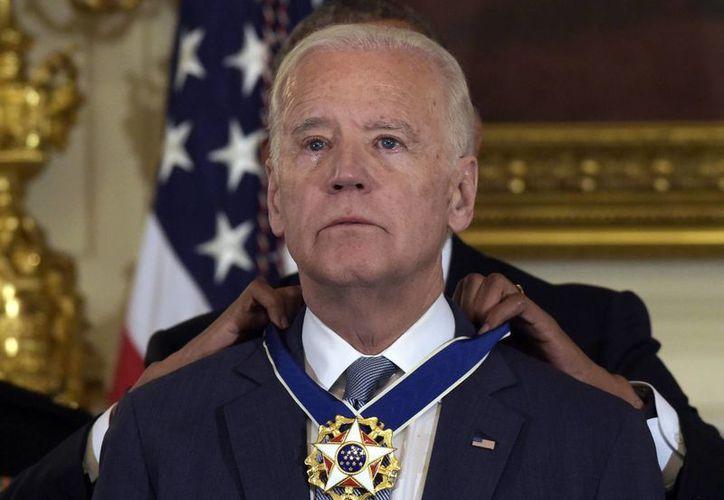El vicepresidente de EU recibió la Medalla Presidencial de la Libertad a ocho días de dejar el cargo. (AP/Susan Walsh)