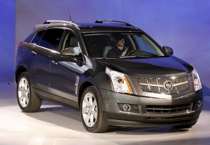 Los vehículos afectados en Estados Unidos son 290,107 Cadillac SRX 2010-2015 y Saab 9-4x 2011-2012 por un problema con una tuerca del sistema de remolque trasero. (EFE/Archivo)