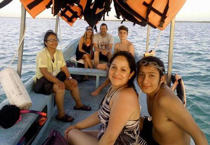 Visitantes de Mérida, Campeche y Chetumal, figuraron entre los principales paseantes que demandaron paseos en lancha. (Javier Ortíz/SIPSE)