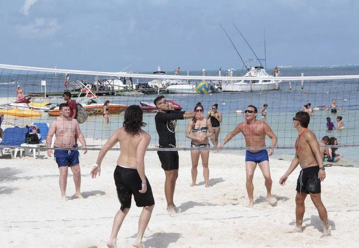 La ocupación hotelera que se espera en septiembre evitará que se hagan despidos en Cancún. (Tomás Álvarez/SIPSE)