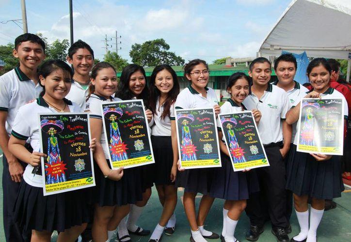 Estudiantes del Conalep realizarán una Expo para promover las tradiciones mexicanas. (Gustavo Villegas/SIPSE)