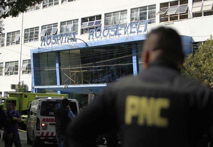 La atención al público en el centro de salud fue suspendida hasta nuevo aviso. (Prensa Libre)