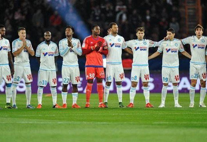 El Olympique de Marsella, que marcha en zona de descenso en la Liga 1 de Francia, fue puesto ya a la venta. (livefutbol,com)