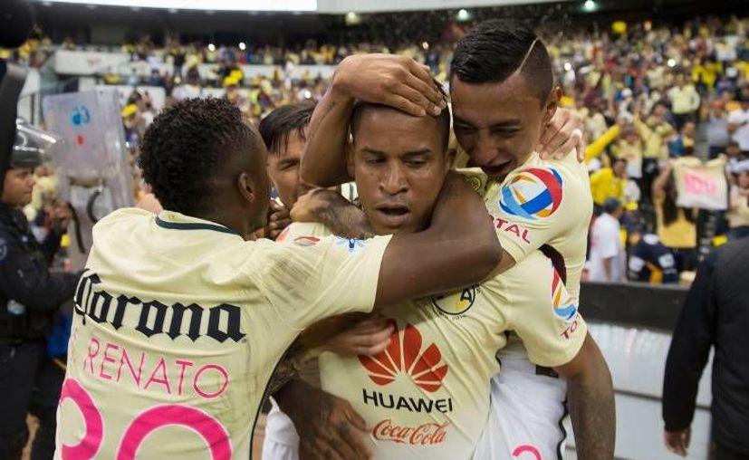 Michael Arroyo fue el héroe esta noche para el Estadio Azteca y la afición águila. (Twitter)