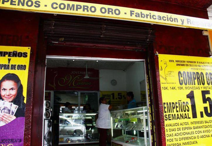 El año pasado la Profeco suspendió a 40 casas de empeño en todo Yucatán, pues carecían de las medidas para considerarse formales. (SIPSE)