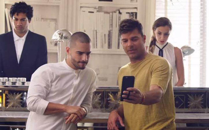 """Los cantantes lanzaron en conjunto el tema """"Vente pa'ca"""". (Foto: Captura/YouTube)"""