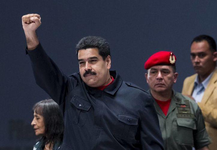 Nicolás Maduro aseguró que el tráfico de arroz, azúcar y papel sanitario está 'desangrando a Venezuela'. (EFE)