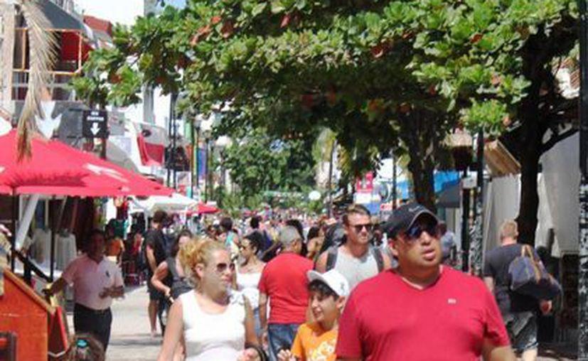 Los restauranteros de Playa del Carmen esperan aprovechar la llegada de visitantes por los festejos del Día de Muertos.  (Daniel Pacheco/SIPSE)