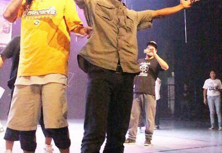 Indiscutible ganador en concurso de break dance, en Mérida:B-boy stimpy, quien representará a México en un concurso similar en EU. (Cortesía)