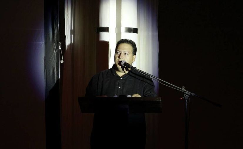 Ante unas 800 personas, Sebastián Marroquín, se presentó en Mérida para ofrecer una conferencia en donde el público tuvo la oportunidad de interactuar con el hijo del famoso capo colombiano, Pablo Escobar. (Milenio Novedades)