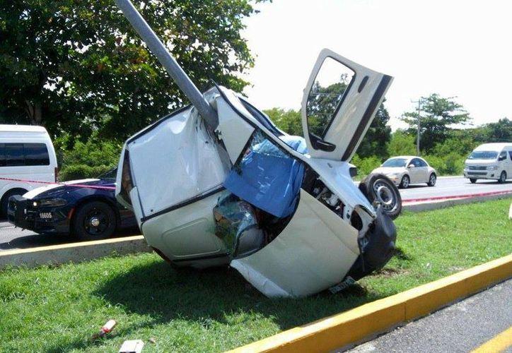 El condutor perdió la vida. (Redacción/SIPSE)