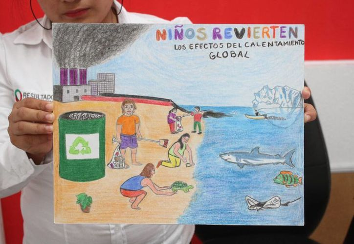 Seleccionan dibujos de estudiantes de Cancún. (Sergio Orozco/SIPSE)