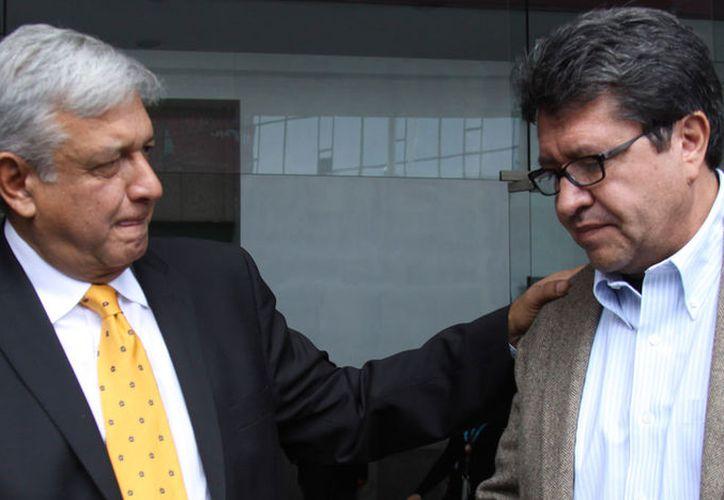 AMLO y Ricardo Monreal platican sobre las acciones que realizará el próximo senador. (Foto: politico.mx)