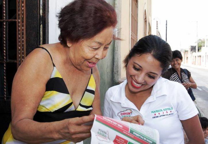 Marisol Sotelo continuó con su campaña de contacto directo. (Milenio Novedades)