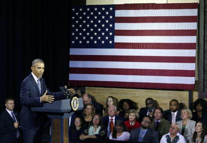 El presidente Barack Obama participó este miércoles en un debate sobre el abuso de drogas en el Centro de Recursos Familiares del East End en Charleston, donde prometió más acciones por parte de su gobierno sobre este tema. (AP)