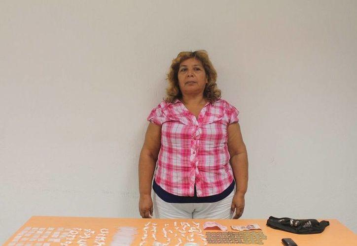 Ana Patricia Herrera, al ser presentada por las autoridades. (Archivo/SIPSE)