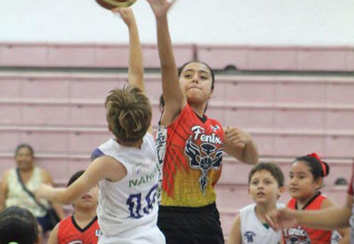 Fénix y Bonadontte se vieron frente a frente dentro de la categoría infantil (8 a 10 años). (Miguel Maldonado/SIPSE)