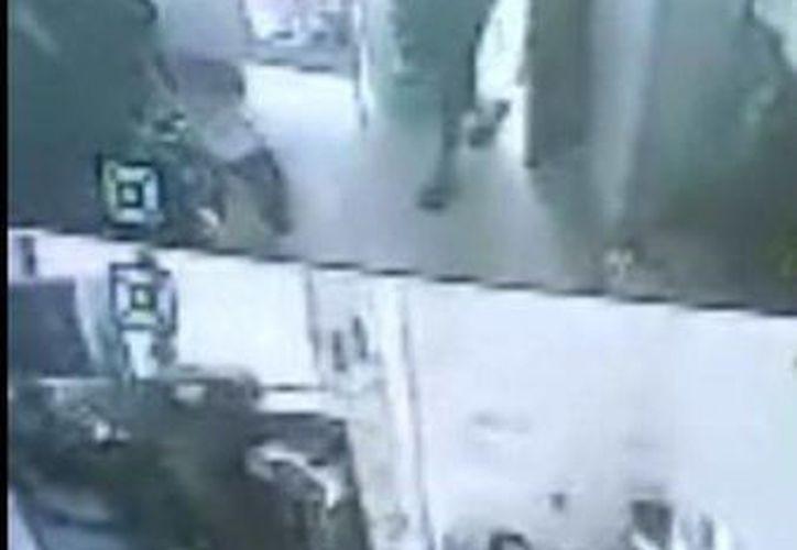 La responsable del establecimiento proporcionó las imágenes grabadas del asalto para que se realicen las averiguaciones correspondientes. (SIPSE)