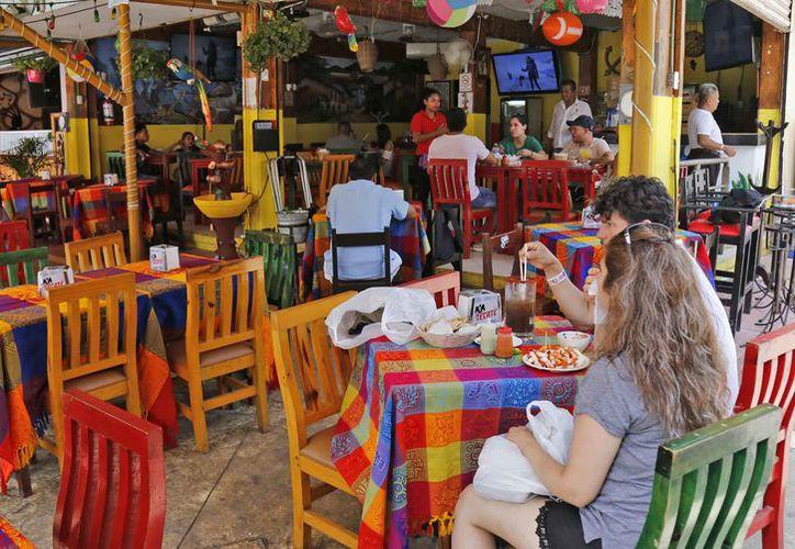 El sector restaurantero espera una estabilidad económica en los próximos años. (Jesús Tijerina/SIPSE)