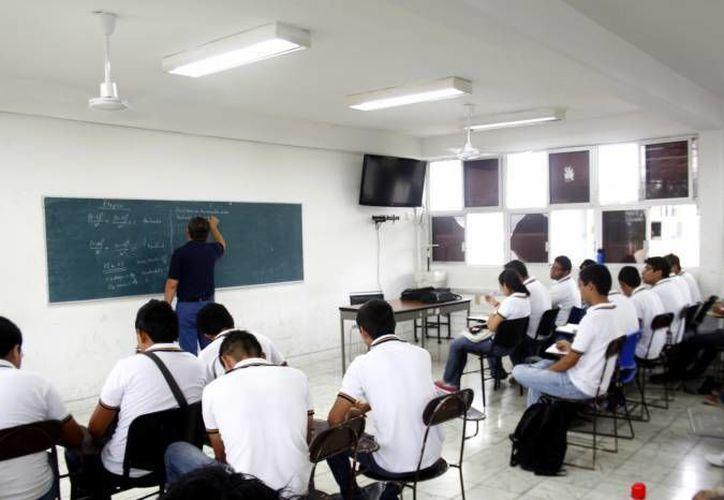 Escuelas privadas de nivel medio superior ganan cada vez más terreno en preferencia de jóvenes yucatecos. (Foto de contexto de SIPSE)