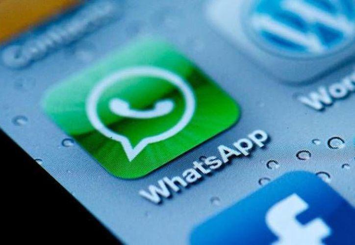 A través de Facebook, Twitter o Whatsapp, los jóvenes se contactan con personas desconocidas. (Foto de Contexto/infotechnology.com)