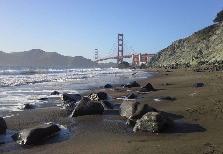 El famoso puente es el segundo a nivel mundial en cuanto al número de suicidios. (EFE)