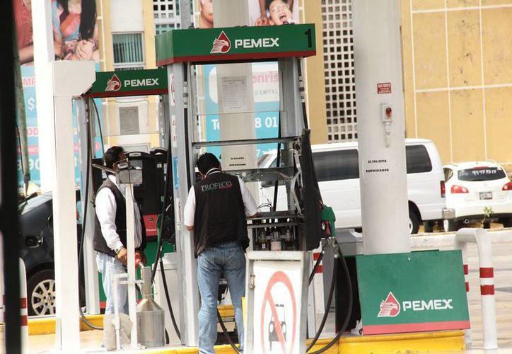 Hasta el momento, en Yucatán no existen reportes sobre establecimientos que vendan litros incompletos. (Archivo/ Milenio Novedades)